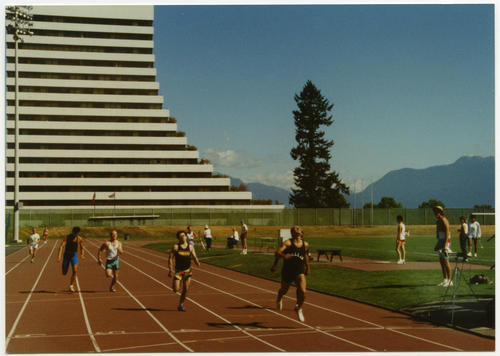 Men's 200 meter race (mid-race) at Gay Games II., UNO Libraries' Archives & Special Collections